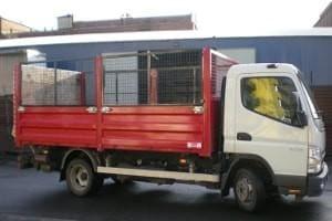 ciężarówka bez płachty na pace